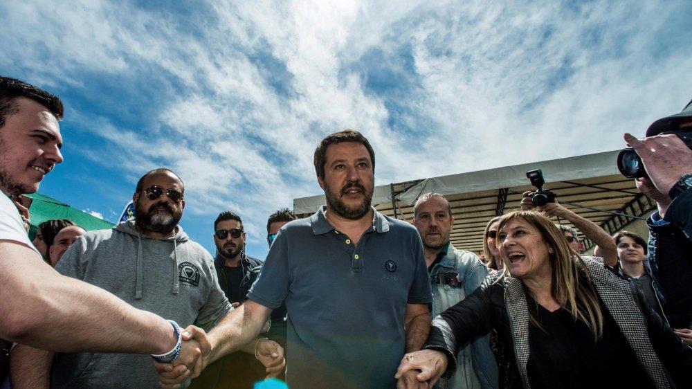 Le ministre italien de l'Intérieur, Matteo Salvini, semble garder les faveurs de la cote auprès des électeurs italiens.