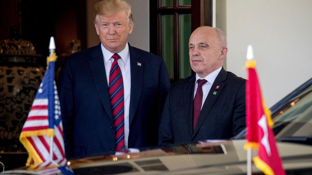 Les présidents américain et suisse, hier, à Washington.