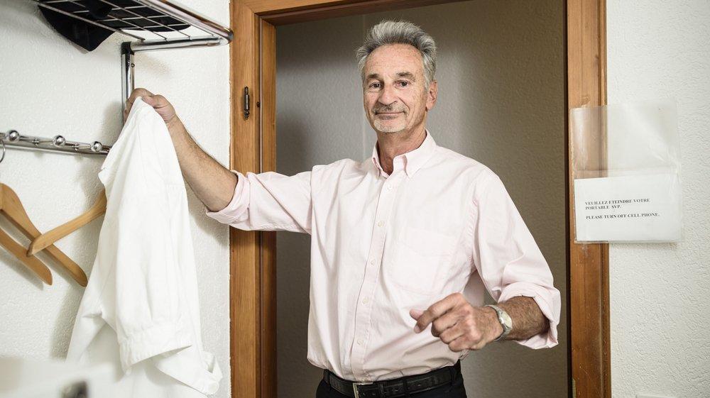 Pierre Widmer raccrochera sa blouse blanche pour de bon à la fin du mois de mai.