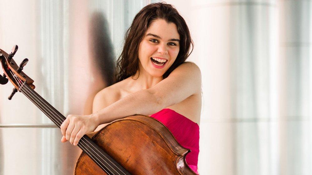 Estelle Revaz est originaire de Salvan, en Valais. Elle est actuellement considérée comme l'une des meilleures violoncellistes suisses.