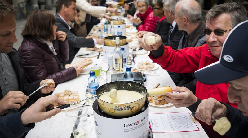 Ce jeudi à midi, une odeur de fromage flottait dans les rues de la ville de Fribourg.