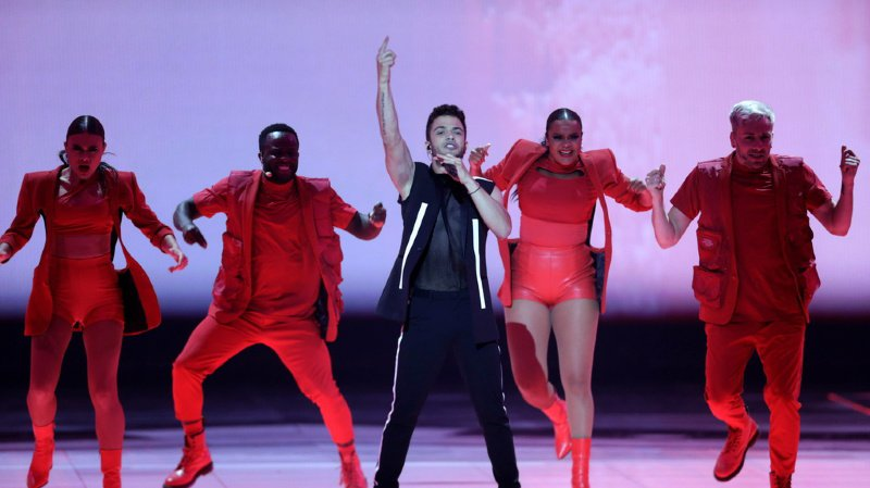 Musique: le Suisse Luca Hänni se qualifie pour la finale de l'Eurovision