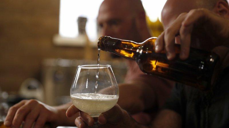 """Insolite: des chercheurs israéliens recréent la """"bière des pharaons"""""""