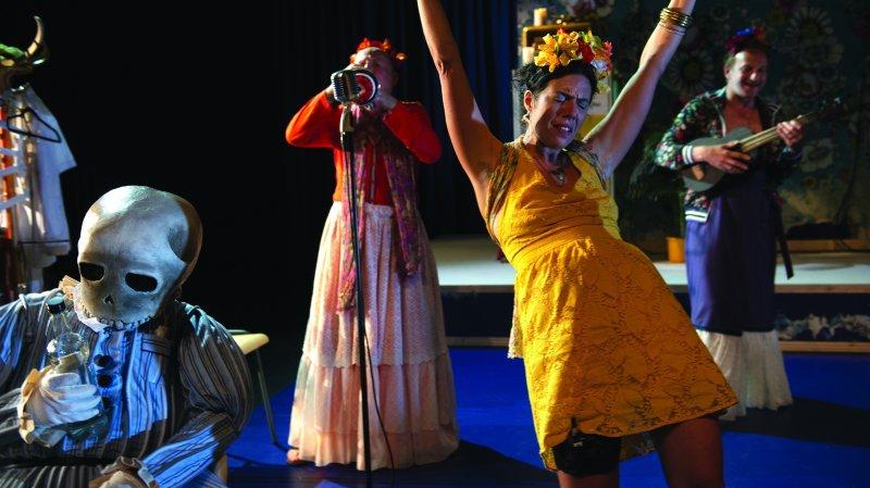 Frida jambe de bois - La cie de l'ovale