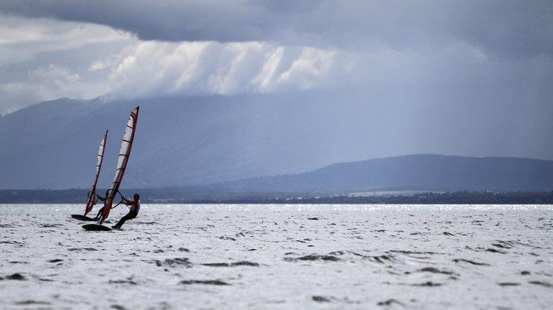 Le véliplanchiste naviguait sur le Léman en fin d'après-midi (photo d'illustration).