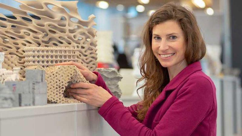 Au moyen d'une imprimante 3D, une chercheuse de l'EPFZ crée des structures artificielles dans le but de soutenir la conservation des récifs coralliens.