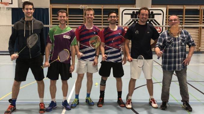 Les amateurs de volants avaient rendez-vous à Trélex samedi. Ici, le podium de la 21e édition de l'Open de badminton.