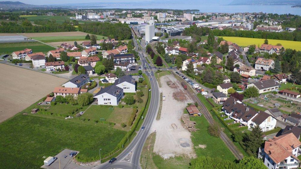 Sans attendre que le tracé, voire l'abandon, de la RDU entre Nyon et Prangins soit décidé, Eysins poursuit les études pour sécuriser sa traversée pour les piétons et cyclistes.