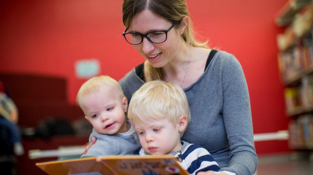 Avoir accès aux livres depuis tout petit a des effets bénéfiques pour toute la vie. Et profiter des bibliothèques communales (ici à celle de Nyon) est un excellent moyen de nourrir l'appétit des enfants.