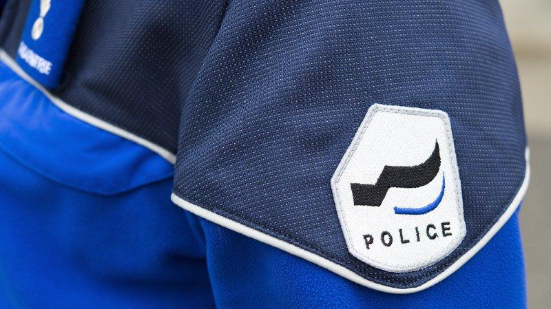 Fribourg: un motocycliste roulait à contresens sur la bande d'arrêt d'urgence, permis retiré