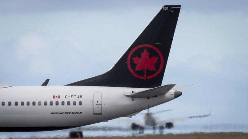 Air Canada a ouvert une enquête pour déterminer comment le personnel de bord a pu oublier la jeune femme dans l'avion (illustration).