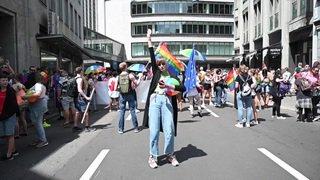 Zurich: des milliers de participants à la Pride