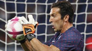 Football: une photo de Gianluigi Buffon en voiture fait polémique sur les réseaux sociaux