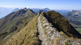 Randonnées: inauguration de la ligne d'arrivée de la Via Alpina, 390 km de Vaduz à Montreux