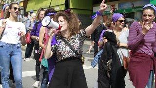 Grève des femmes: les Nyonnaises dans la rue
