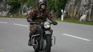 moto026_web