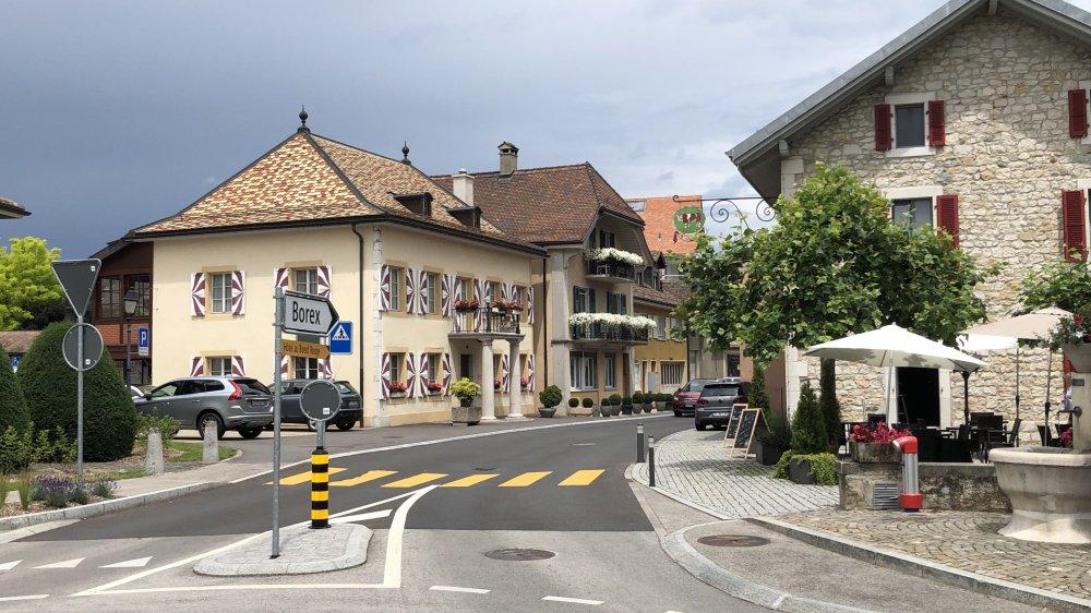 La traversée du village de Crassier, entre Boeuf rouge et administration communale, devra bientôt se parcourir à maximum 30 km/h.