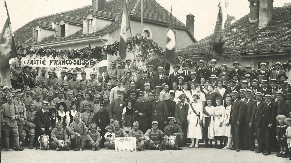 Le cliché, immortalisé par le photographe nyonnais Jacques Lüscher le 28 juin 1919, donnera lieu à un fête pour l'amitié franco-suisse, ce samedi 30 juin 2019.