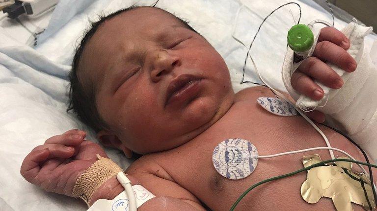 États-Unis: la police de Géorgie retrouve un nouveau-né abandonné dans un sac plastique