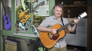 Claude Voit ouvre ses portes après quatre décennies à enseigner la guitare