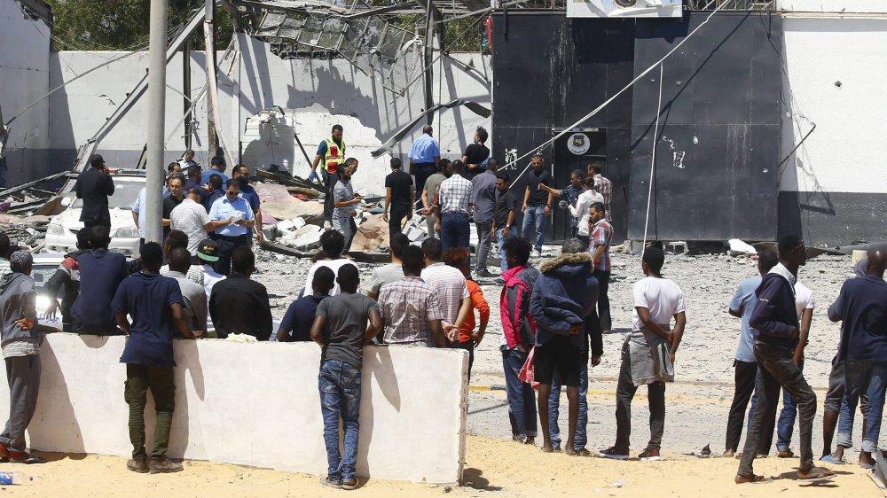 Trois cents migrants sont encore sur place, à Tajoura.