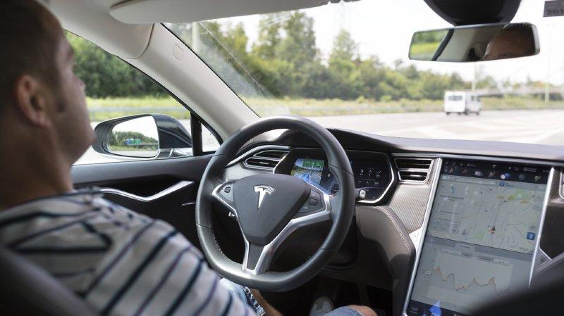 Voitures électriques: l'américain Tesla passe le cap des 10 000 immatriculations en Suisse