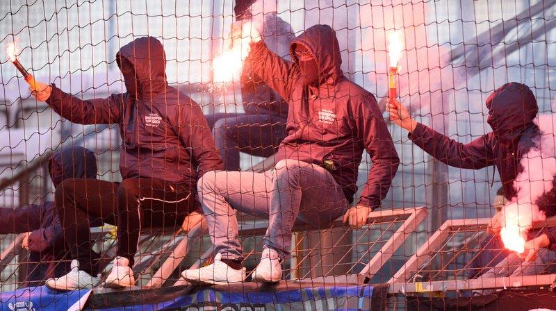 Dans les stades, le principal problème sont les engins pyrotechniques. (Illustration)