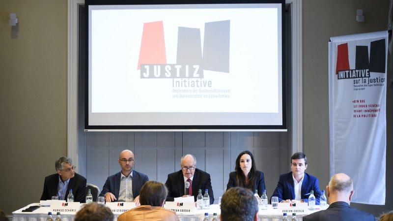 Politique: l'initiative pour désigner les juges fédéraux par tirage au sort a abouti