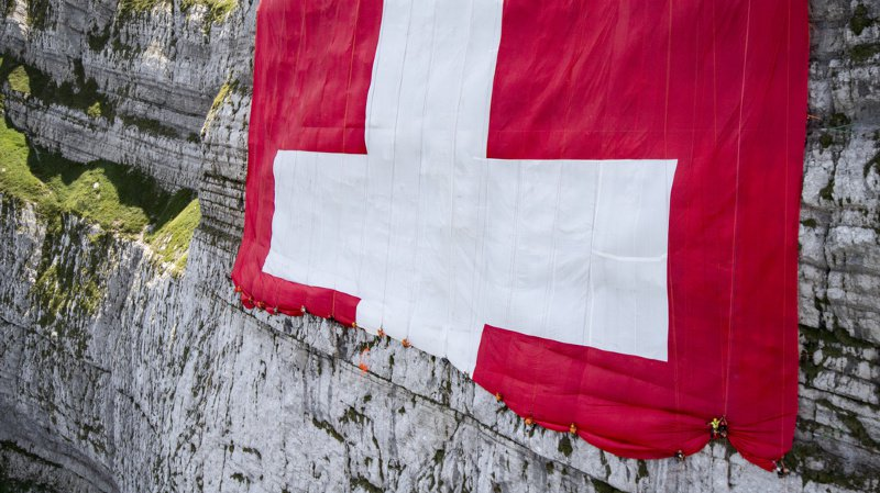 Une footballeuse disparue, l'impact des glaciers helvétiques sur Theresa May, le Montreux Jazz… l'actu suisse vue du reste du monde