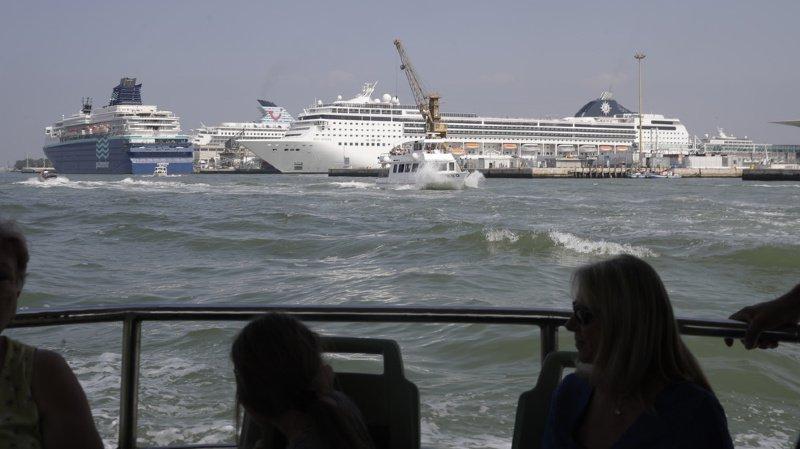 Un paquebot évite de justesse la collision à Venise