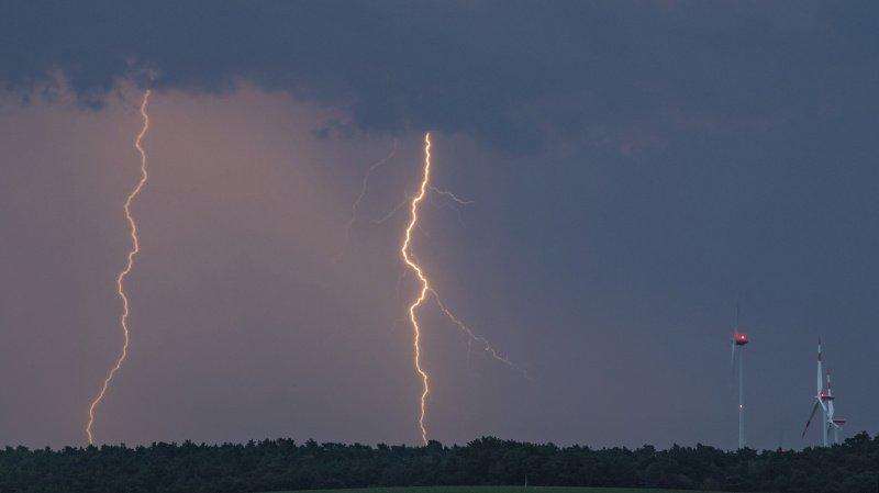 France: l'orage prive entre 76'000 et 100'000 foyers d'électricité