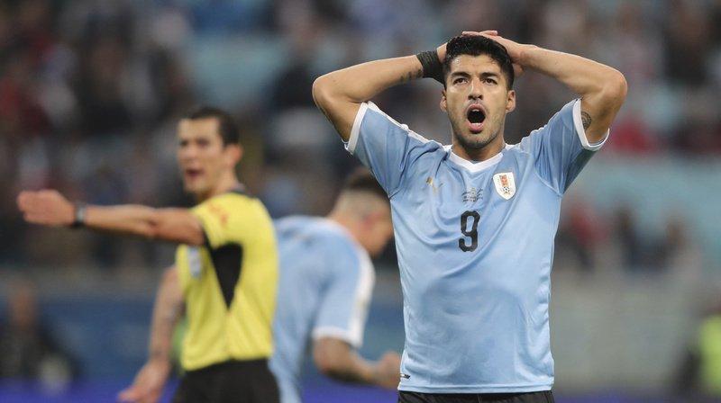 L'Uruguayen Luis Suarez a inscrit un but contre le Pérou à la 72e minute, mais il a été annulé par le VAR pour une très légère position de hors-jeu.