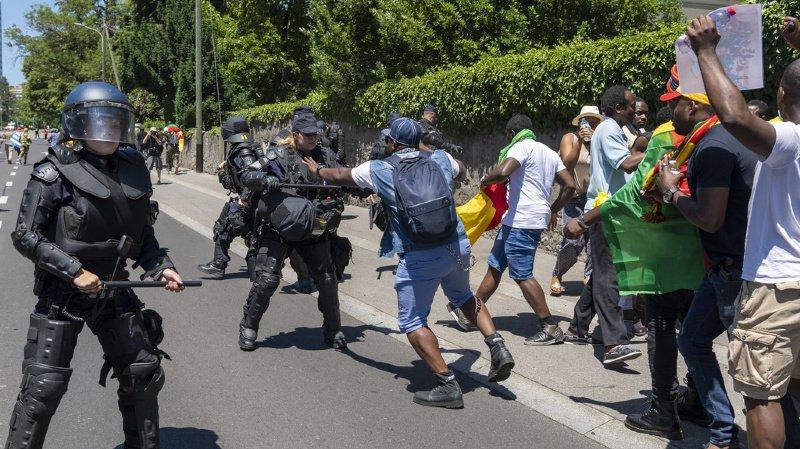 Le journaliste de la RTS avait été molesté alors qu'il suivait, le 26 juin dernier, une manifestation d'opposants au président camerounais Paul Biya.