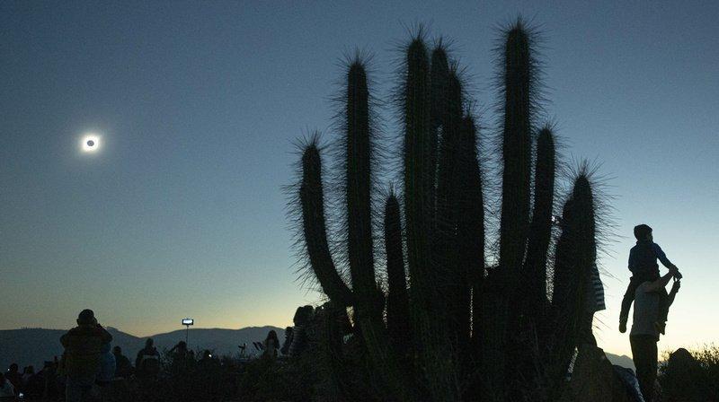 Le Chili a pu observer une éclipse totale de Soleil spectaculaire