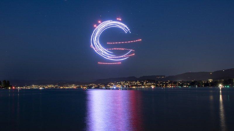 Pour la première fois, le traditionnel feu d'artifice sera suivi d'un spectacle de drones. Ici, répétition générale jeudi soir.