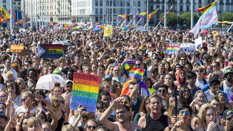 Des participants à la Pride genevoise, pour la fierté homosexuelle.