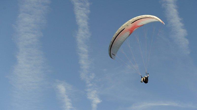 Haute-Savoie: rabattus par le vent, deux parapentistes perdent la vie
