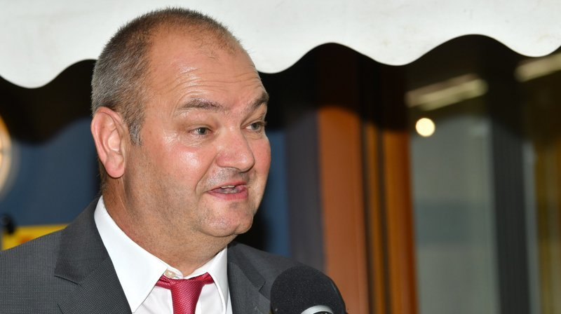Yves Ravenel cumule désormais la charge de syndic de Trélex et celle de président du Grand Conseil vaudois.