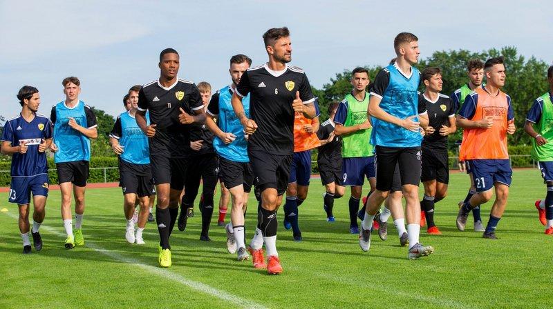 Dalibor Stevanovic (en noir, avec le numéro 6) et les Nyonnais débutent, mercredi, les matches de préparation.
