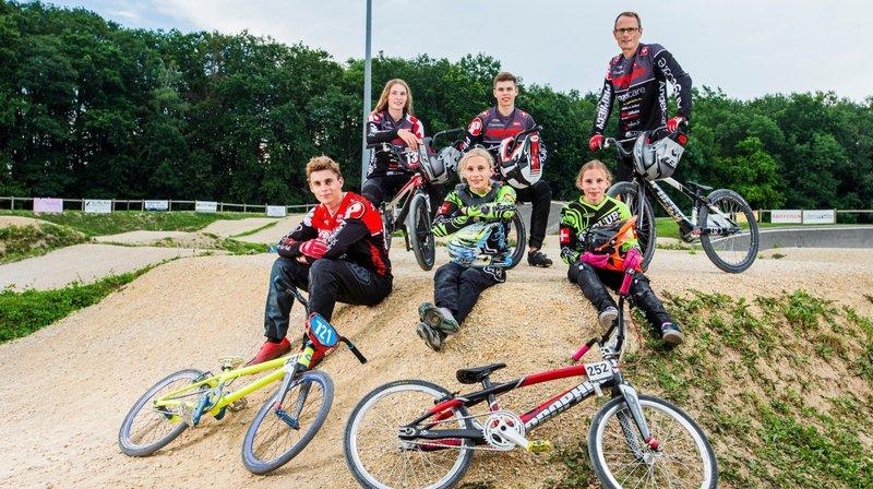 La famille Claessens, une véritable équipe dans le monde du BMX