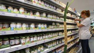 Alimentation: l'OMS affirme qu'il y a trop de sucres dans la nourriture industrielle pour bébé