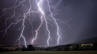 Genolier: quand la foudre déchire le ciel
