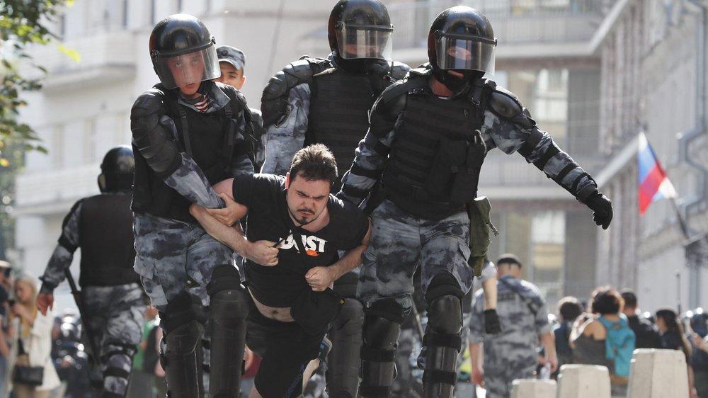 Confrontation brutale à Moscou
