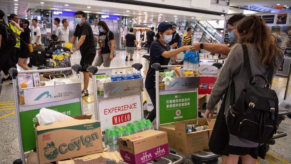 Les avions cloués au sol à Hong Kong