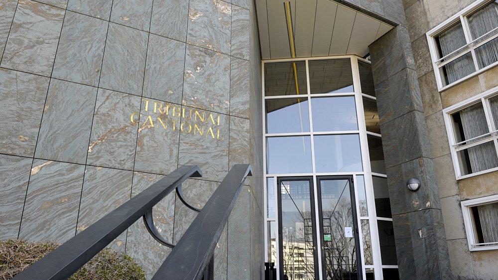Un couple avait dissimulé des informations à l'Office des poursuites. Il s'oppose au jugement rendu par le Tribunal de Nyon.