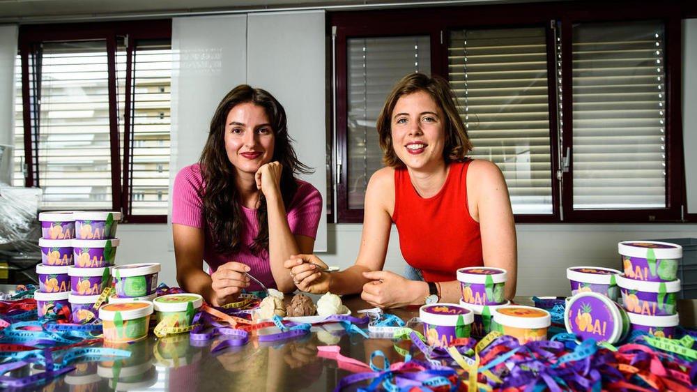Alice Escorel Boudreau et Garance Vallier ont lancé leur marque de glaces véganes. Elles les fabriquent depuis un laboratoire nyonnais.