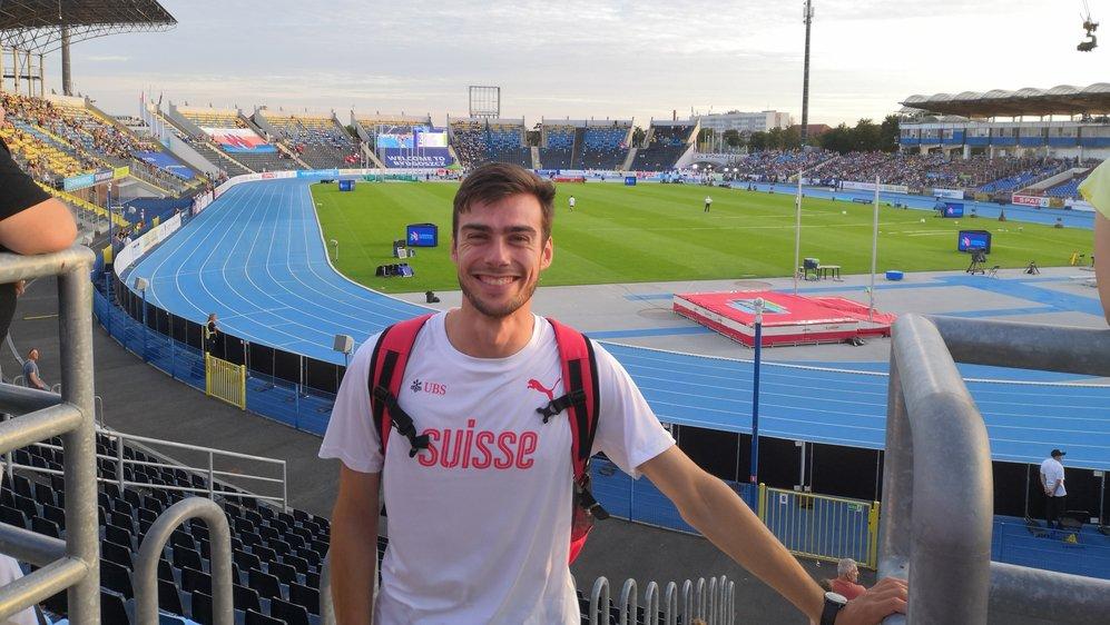 L'ancien membre du COVA Nyon dans le stade de Bydgoszcz. Un bel endroit pour pratiquer l'athlétisme.