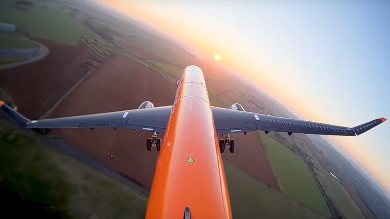 L'idée du modèle réduit d'Airbus est de laisser les bouts d'ailes libres de leurs mouvements.