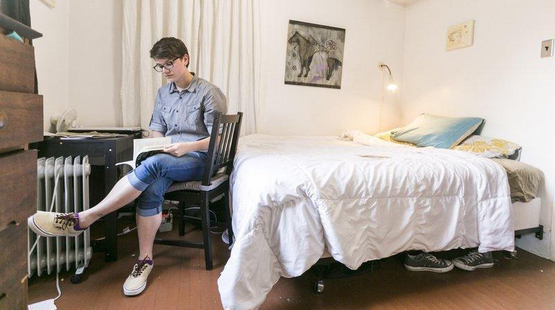 Airbnb: plusieurs voyageurs ont trouvé des caméras cachées dans des appartements