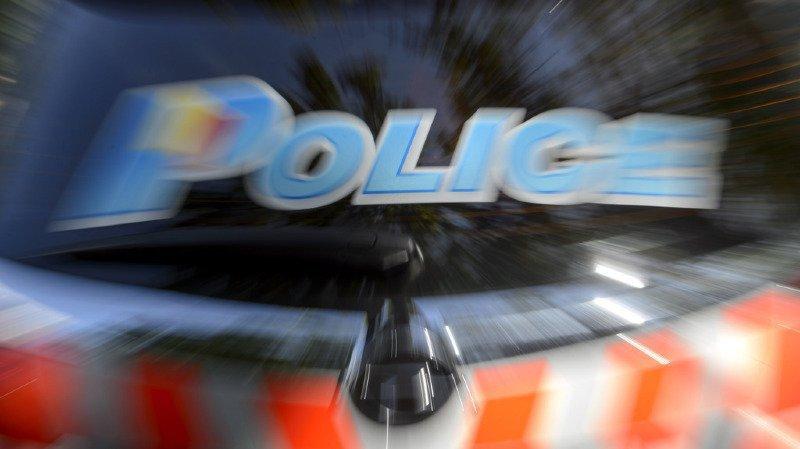 Deux braquages ont eu lieu ce lundi à Genève. Un policier a dû faire usage de son arme.
